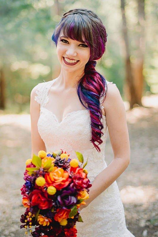 свадебная прическа с цветным омбре