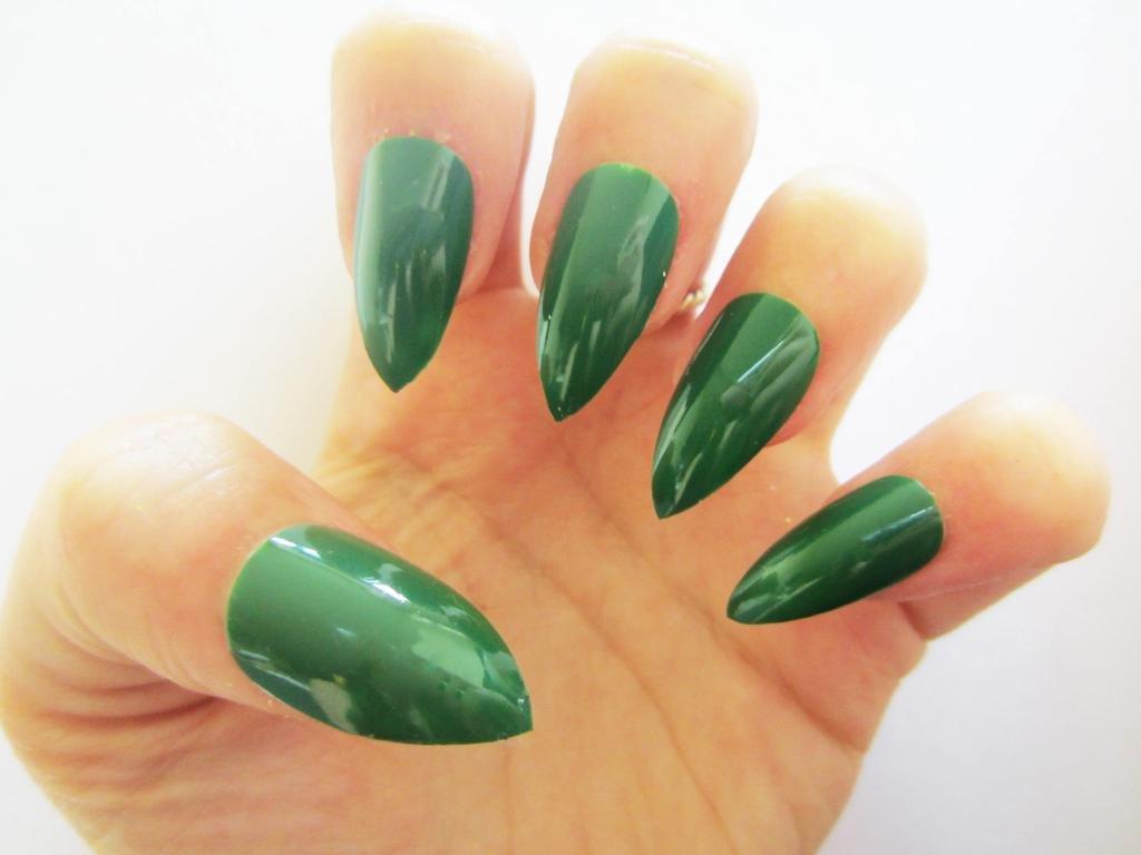 Изумрудные ногти