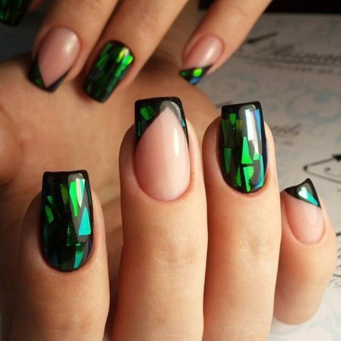 Изумрудный дизайн ногтей