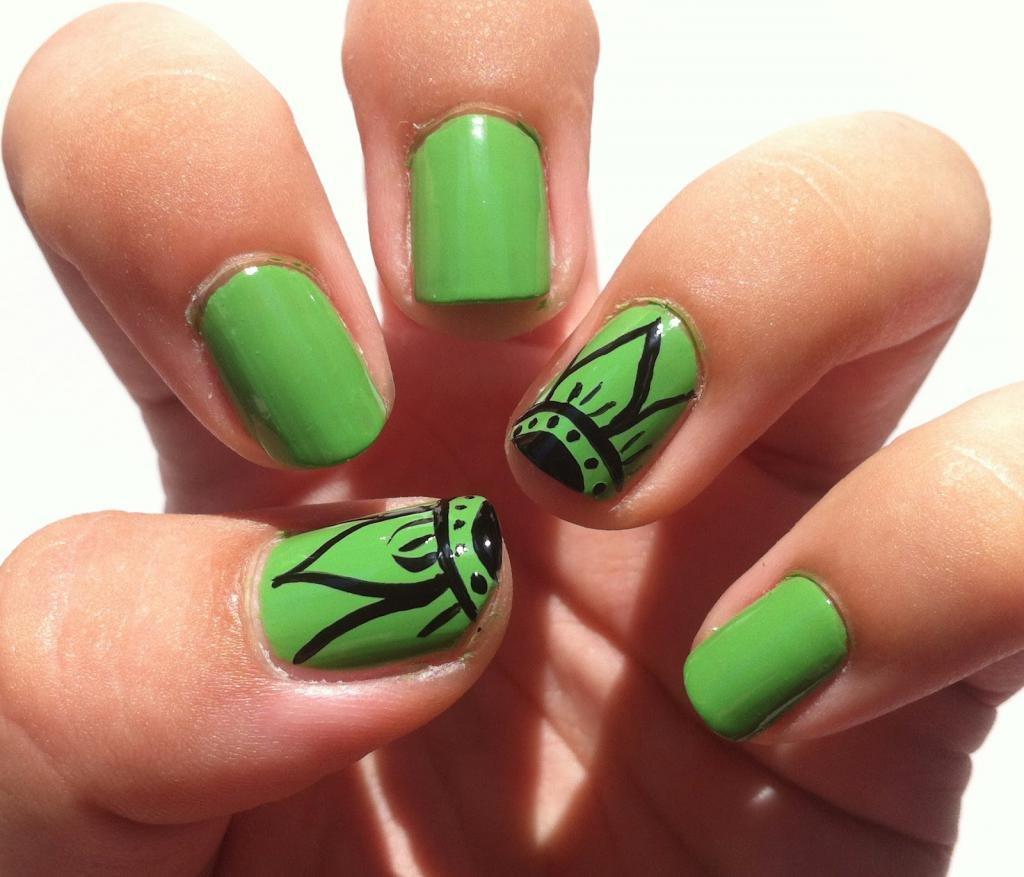 зеленый дизайн ногтей
