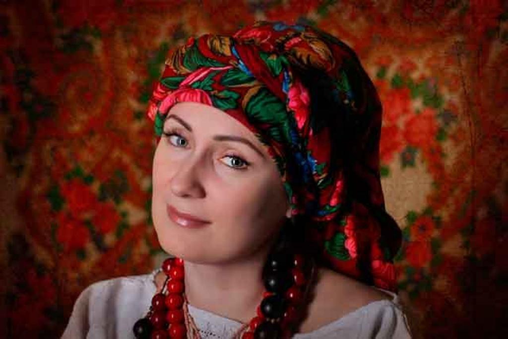 Способы повязать платок на голову