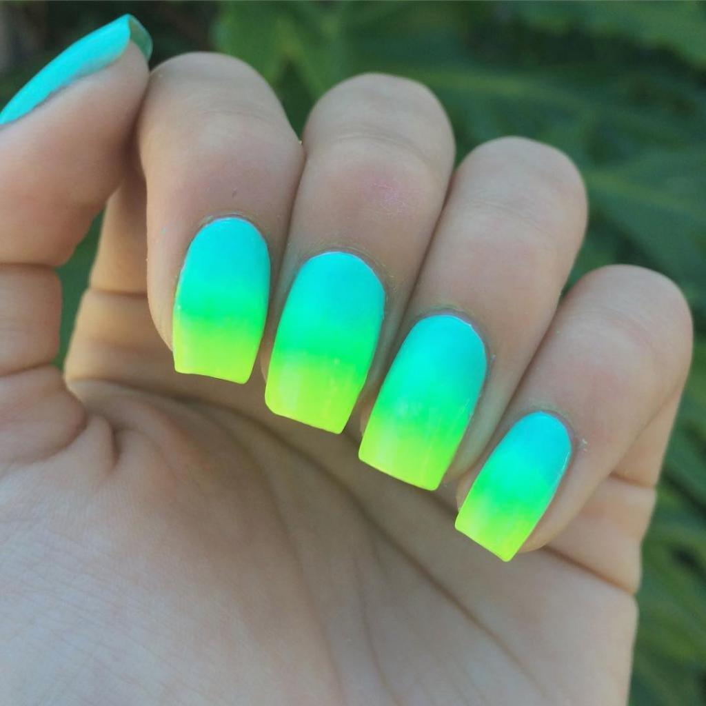 дизайн ногтей яркий