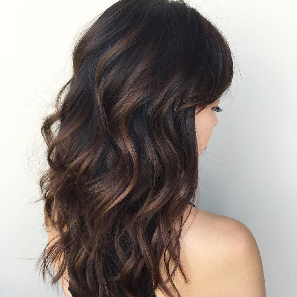 Красивые темные волосы