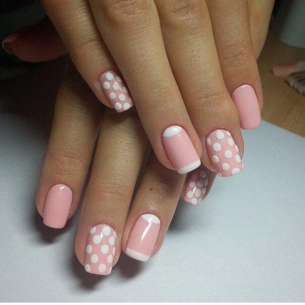 ногти малинового цвета