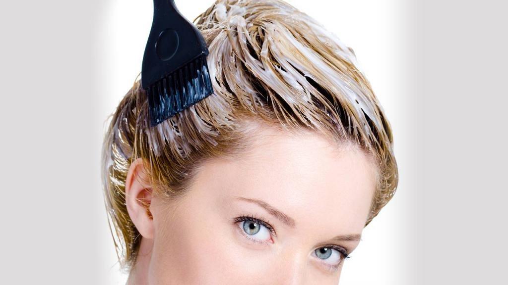 Процесс декапирования волос