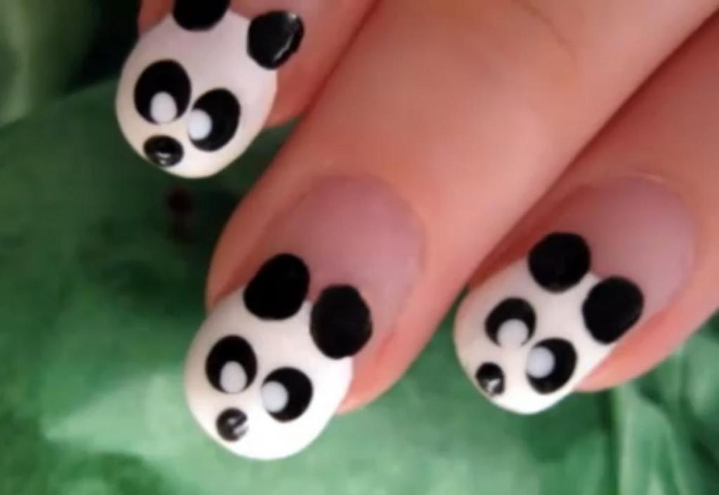 Пандочки на ногтях