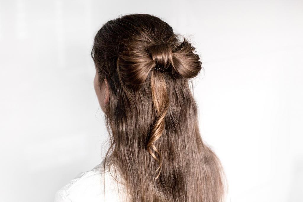 Вариант с распущенными волосами