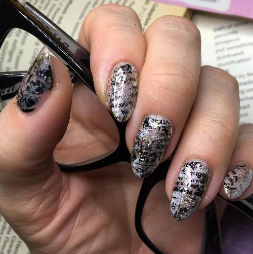 как наносить на ногти фольгу