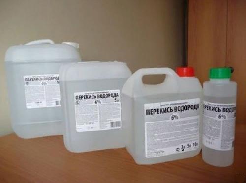 Различная упаковка раствора перекиси водорода