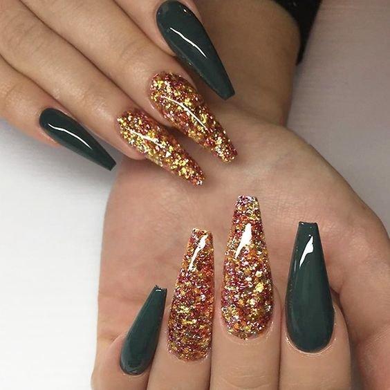 вечерний дизайн ногтей с блестками