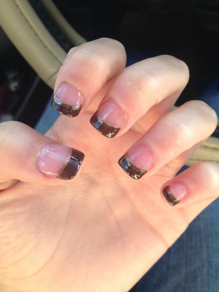 Ногти коричневые