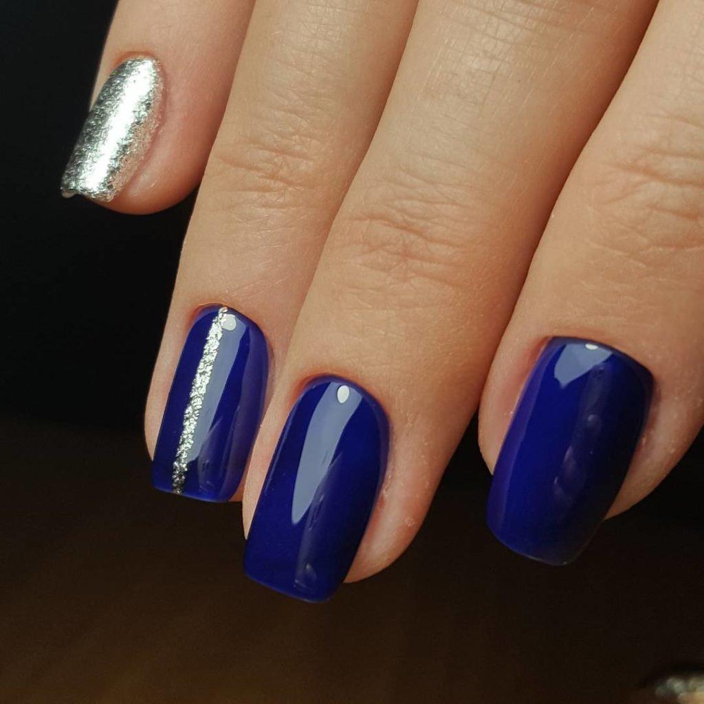 дизайн с синим лаком