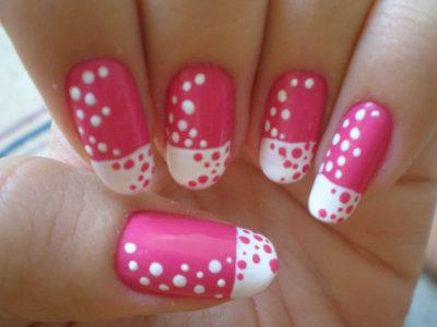 Маникюр двумя цветами: пошаговая инструкция выполнения, классическое сочетание цветов, контрастные лаки, идеи и примеры модного дизайна ногтей