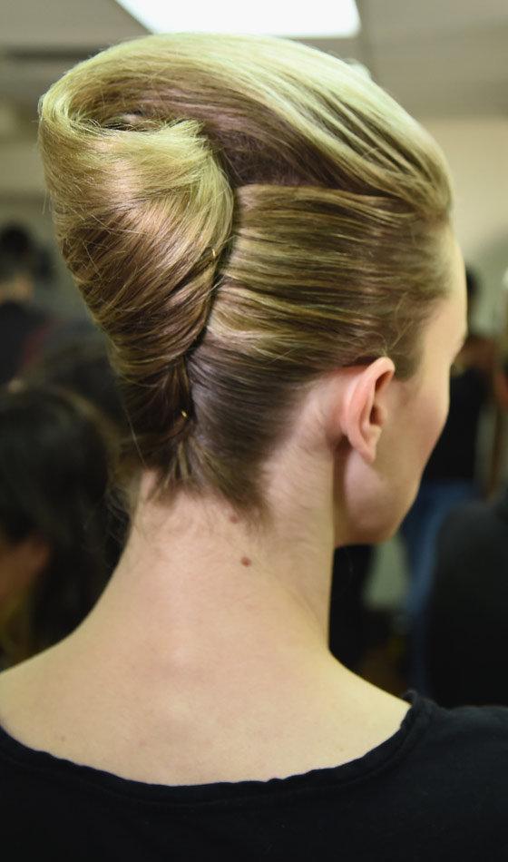 густые волосы до плеч