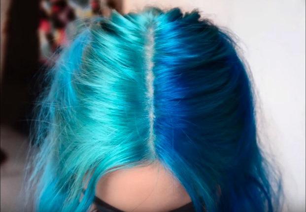 волосы цвета бирюза