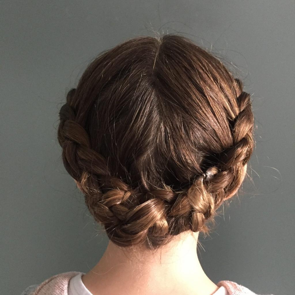 как заплести косички на короткие волосы