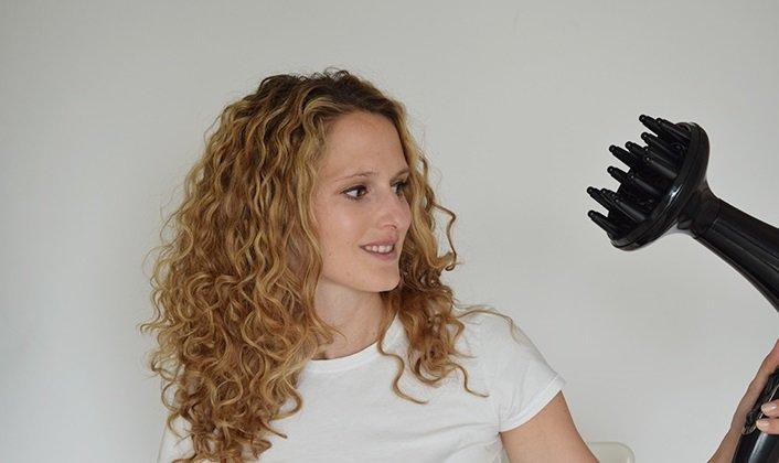 Как сушить волосы феном с диффузором