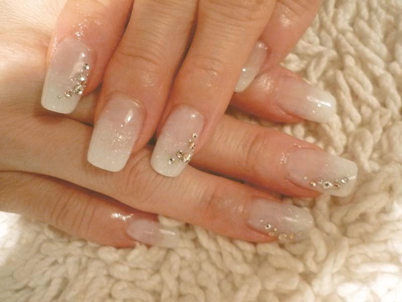 простой свадебный маникюр на короткие ногти