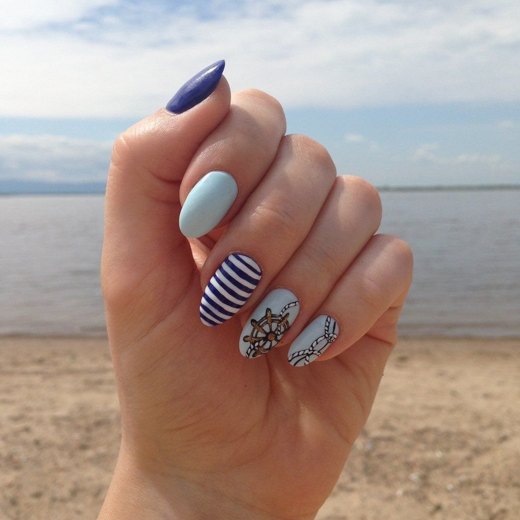 Маникюр пляжный