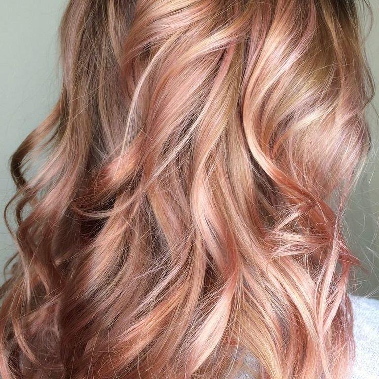 золотисто-розовый цвет волос