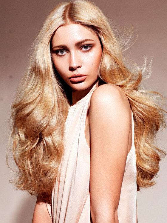 золотисто-бежевый цвет волос