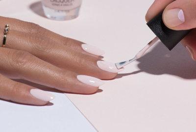 Светлый гель-лак: пошаговая инструкция выполнения, классические светлые цвета, идеи и примеры модного дизайна ногтей