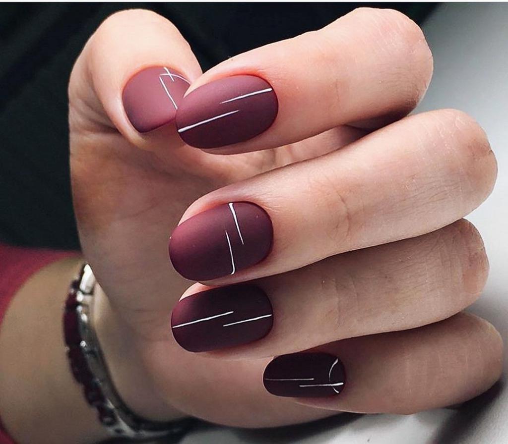 Темные круглые ногти
