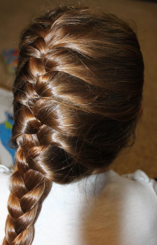 Красивые укладки на средние волосы с челкой