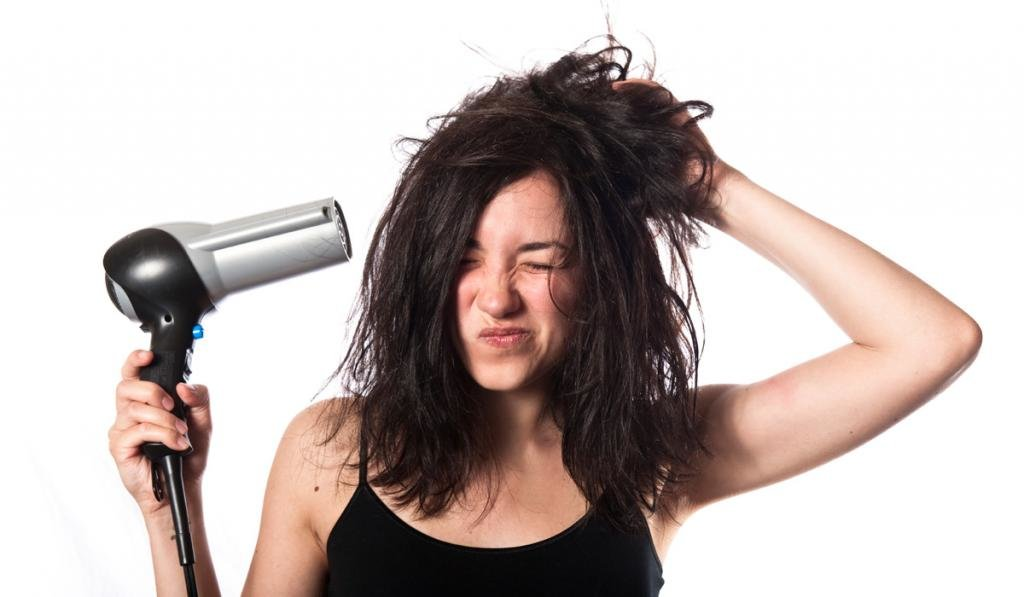 как уложить волосы феном самой себе