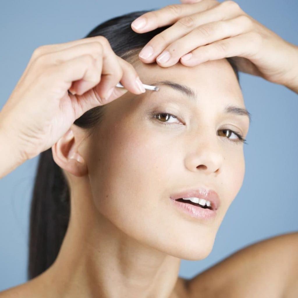 Квадратный тип лица брови