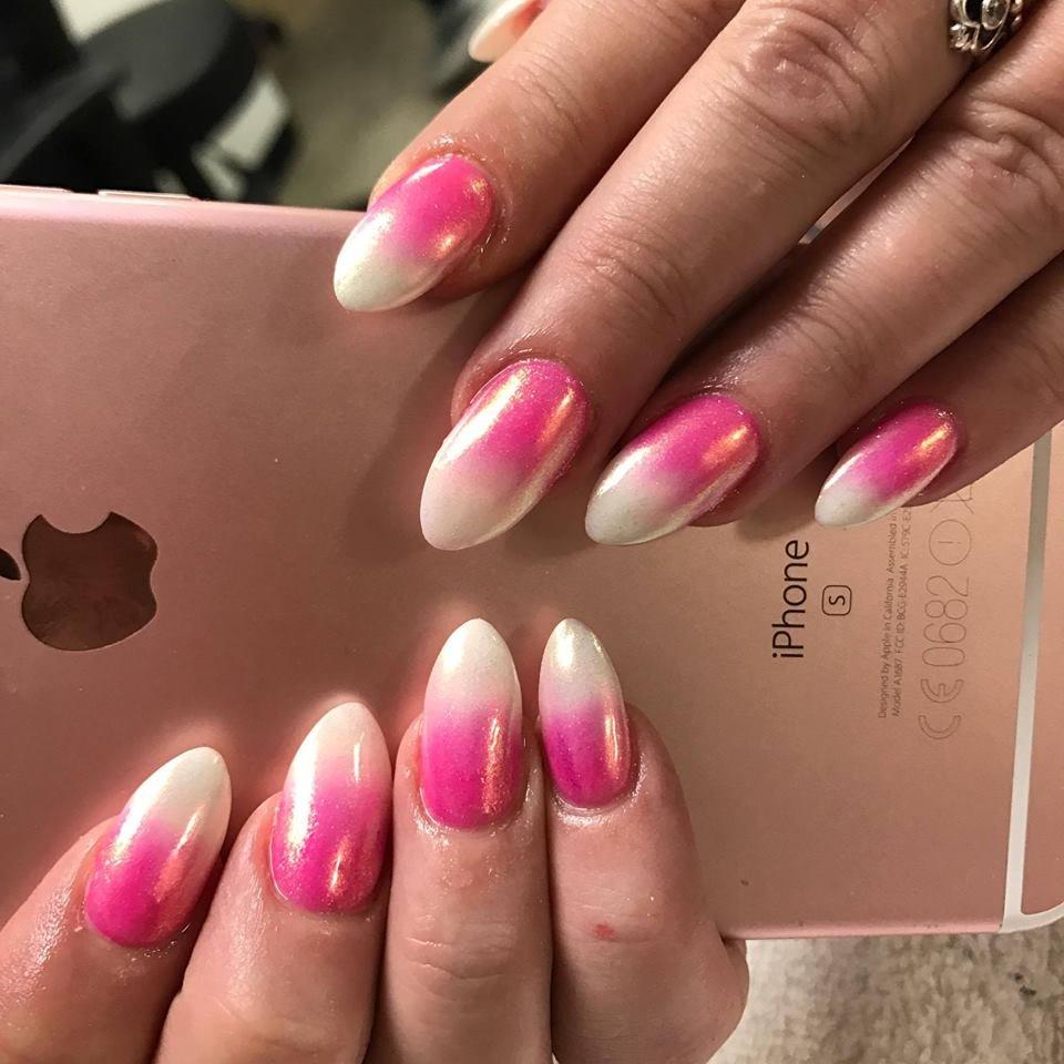 розовое омбре на ногтях