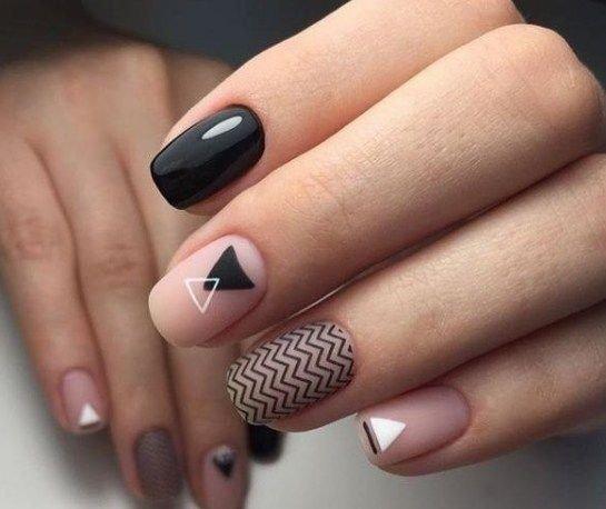тумблер на ногтях