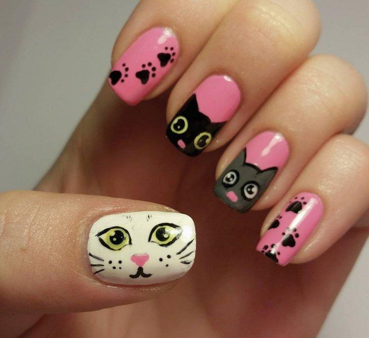 маникюр с лапками кошек