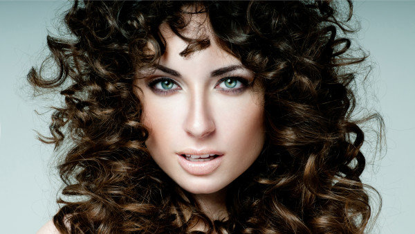 Завивка волос крупные локоны на средние волосы