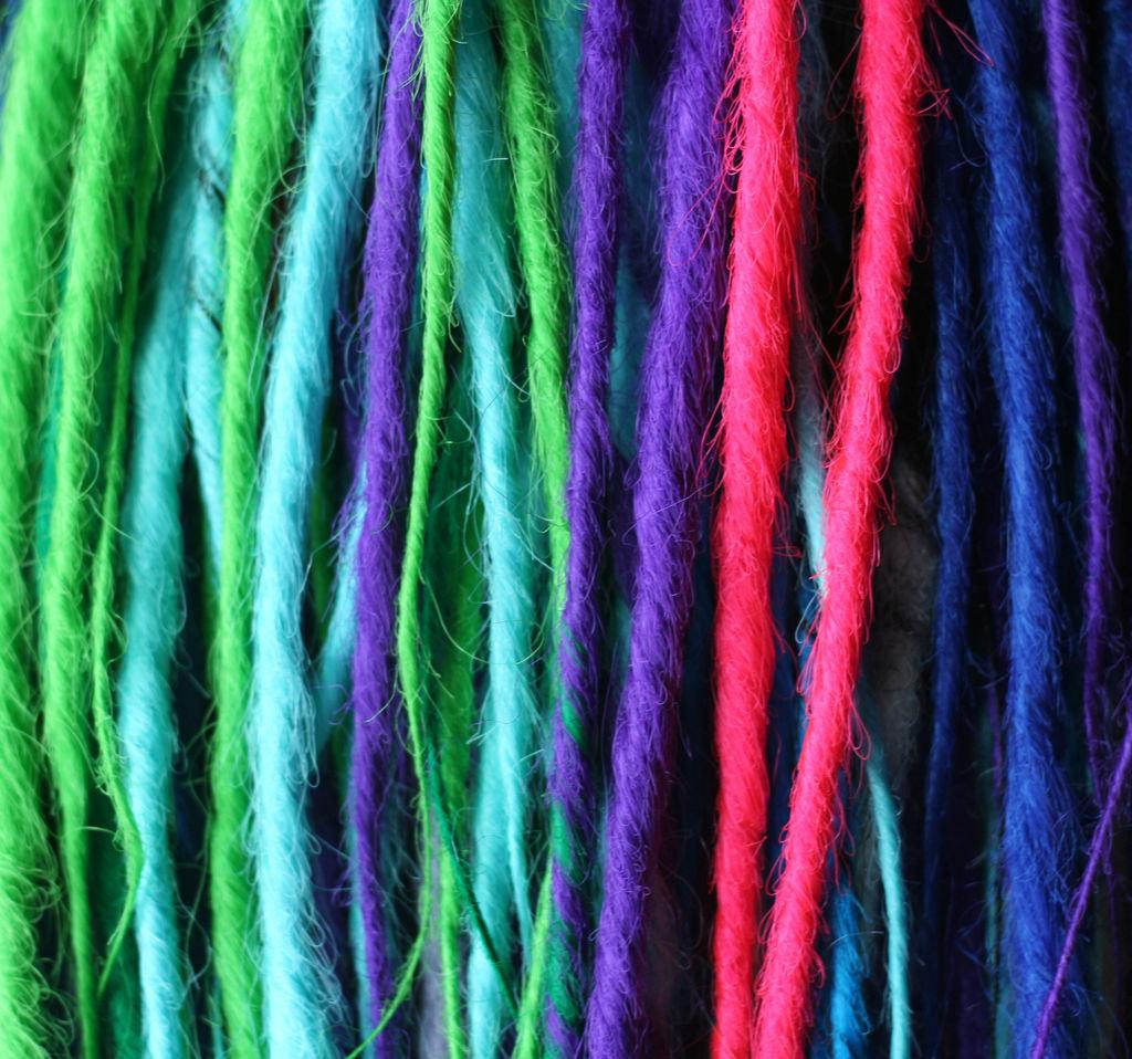 синтетические волосы для дредов