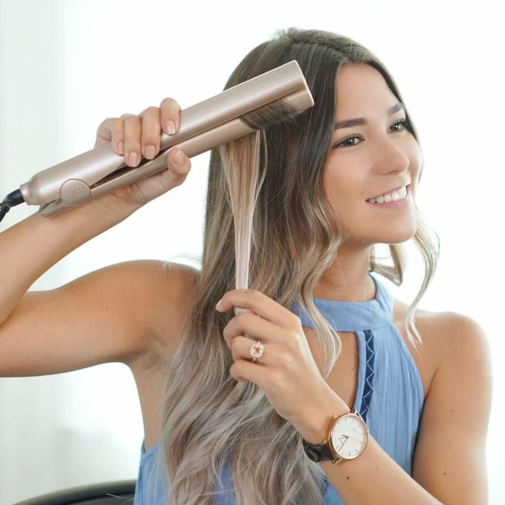 Накручивание волос при помощи утюжка для волос