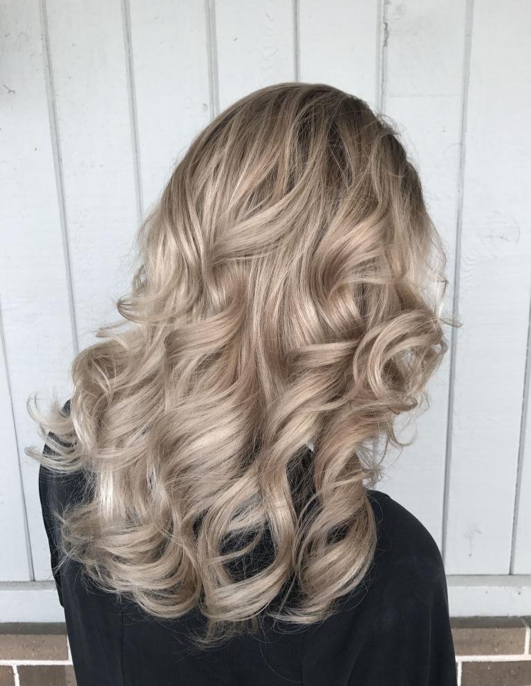 бежевый оттенок волос